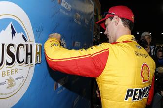 Joey Logano, Team Penske, Ford Fusion Shell Pennzoil pole award