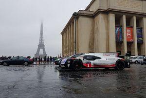 Porsche 919 en las calles de Paris