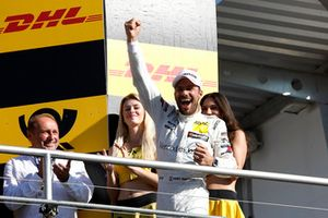Podium: Kampioen Gary Paffett, Mercedes-AMG Team HWA