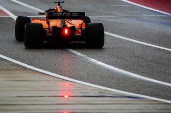 Fernando Alonso, McLaren MCL33, leaves the pit lane