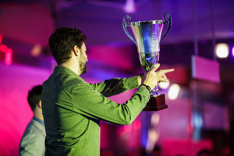 Trident team member collects award