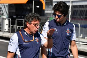Lance Stroll, Williams Racing y Luca Baldisserri, Williams camina por el circuito