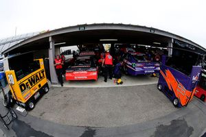 Denny Hamlin, Joe Gibbs Racing, Toyota Camry FedEx Express Erik Jones, Joe Gibbs Racing, Toyota Camry Craftsman