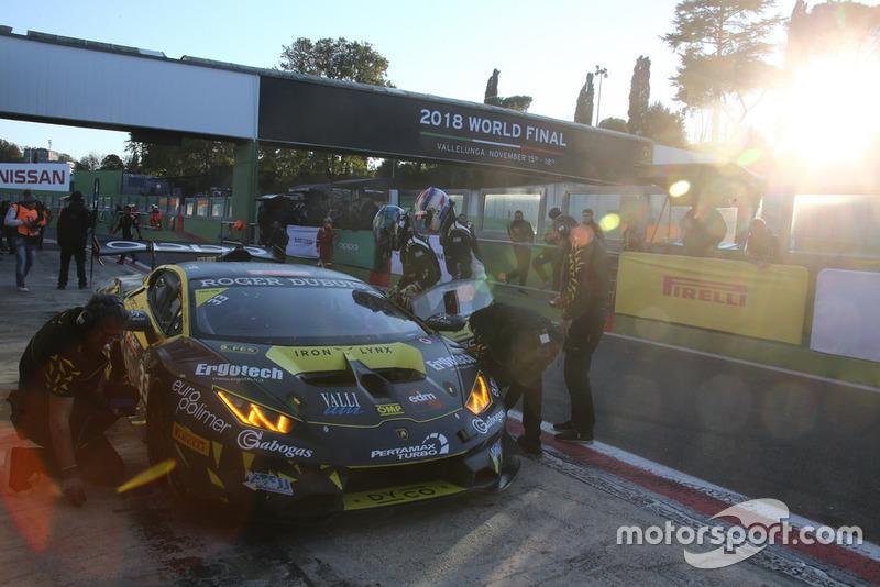 Lamborghini Huracan Super Trofeo Evo #3, Iron Lynx: Kelvin Snoweks, James Pull