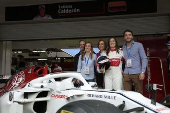 Tatiana Calderon, Sauber C37 Test Driver with the family
