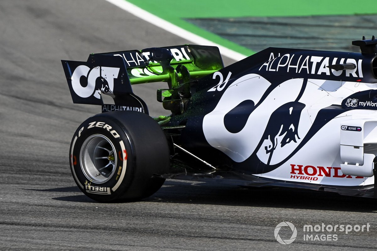 Daniil Kvyat, AlphaTauri AT01 with aero paint