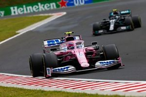 Lance Stroll, Racing Point RP20, leads Valtteri Bottas, Mercedes F1 W11