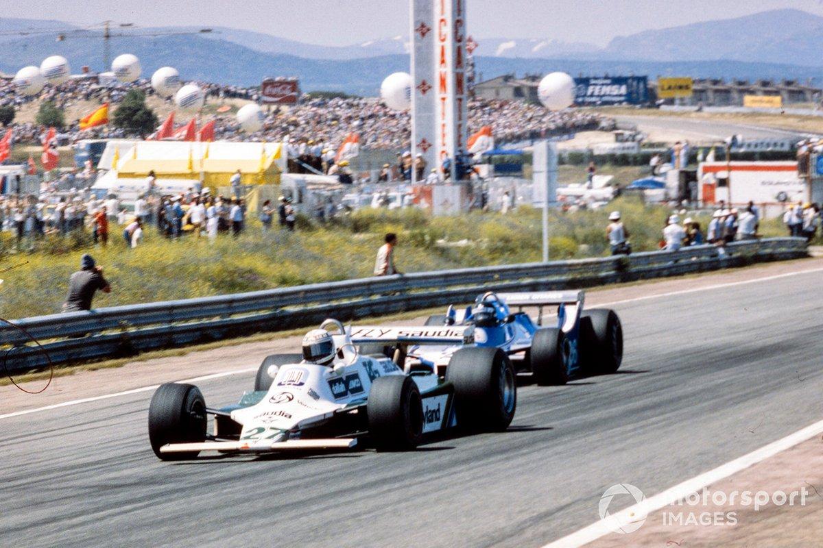 Вышедший на второе место Лаффит пробовал атаковать Рейтемана, но аргентинец, двумя неделями раньше одержавший победу в Монте-Карло, и здесь умело использовал особенности неширокой трассы, оставаясь впереди