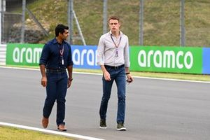 Karun Chandhok, Sky TV and Paul di Resta, Sky, TV walk the track