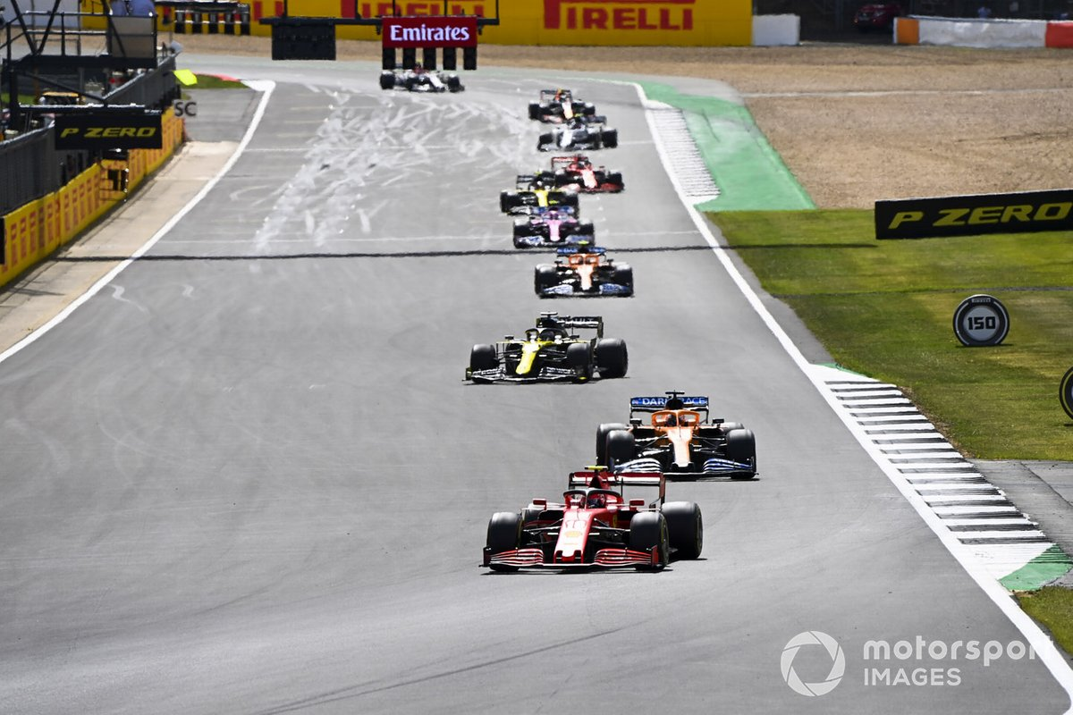 Charles Leclerc, Ferrari SF1000 Carlos Sainz Jr., McLaren MCL35 e Daniel Ricciardo, Renault F1 Team R.S.20