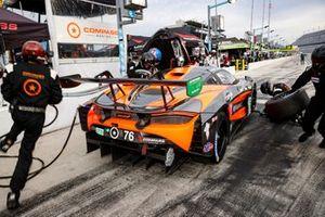 #76 Compass Racing McLaren 720S GT3, GTD: Corey Fergus, Paul Holton, pit stop