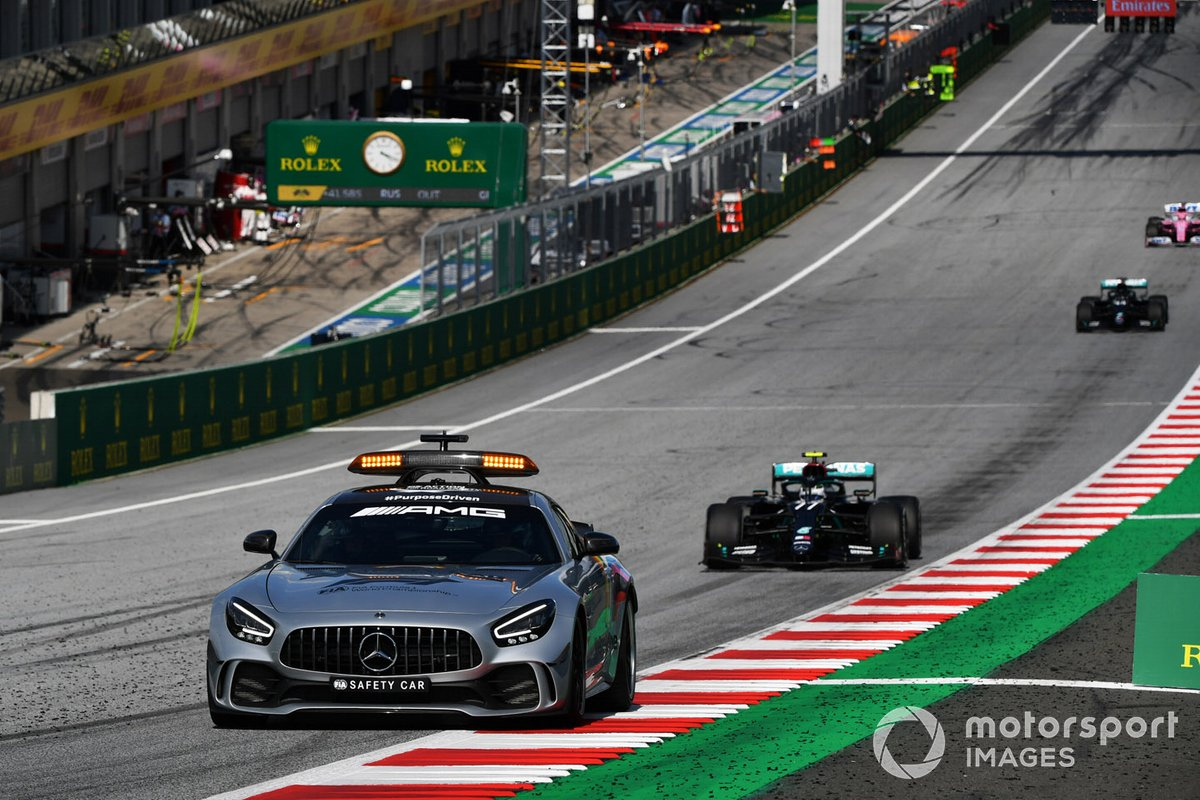 Valtteri Bottas, Mercedes F1 W11 EQ Performance, y el Safety Car