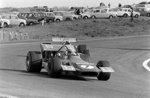 Jackie Stewart, March 701 Ford, en Jack Brabham, Brabham BT33 Ford
