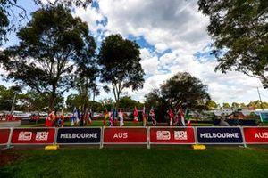 L' Albert Park vuoto dopo la decisione dell'annullamento del GP d'Australia