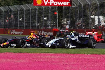 David Coulthard, Red Bull Racing RB3 battles with Alex Wurz, Williams FW29