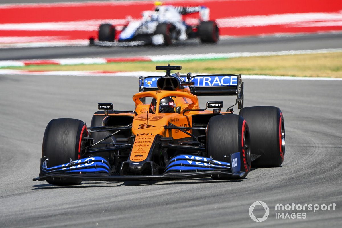 Carlos Sainz Jr., McLaren MCL35, leads Nicholas Latifi, Williams FW43