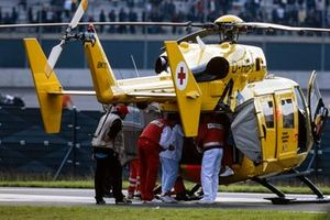 Alex Zanardi, Mo Nunn Racing, is evacuated to hospital by helicopter