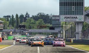 Porsche 911 GT3 Cup, #25 Larry ten Voorde (NL), Champion Porsche Mobil 1 Supercup Virtual Edition 2020