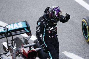 Lewis Hamilton, Mercedes-AMG Petronas F1, 1st position, celebrates on arrival in Parc Ferme