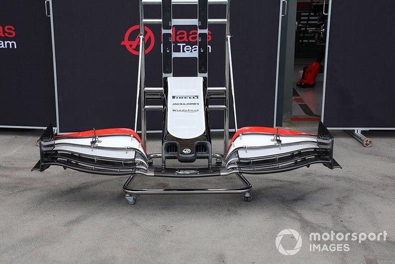 Dettagli musetto Haas F1 Team VF-20