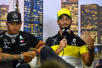 Lewis Hamilton, Mercedes-AMG Petronas F1, and Daniel Ricciardo, Renault F1,in the press conference