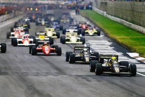Salida: Ayrton Senna, Lotus 97T Renault