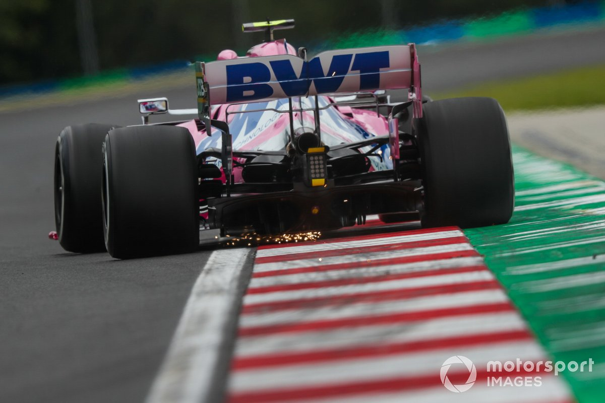 Volano scintille dalla monoposto di Lance Stroll, Racing Point RP20