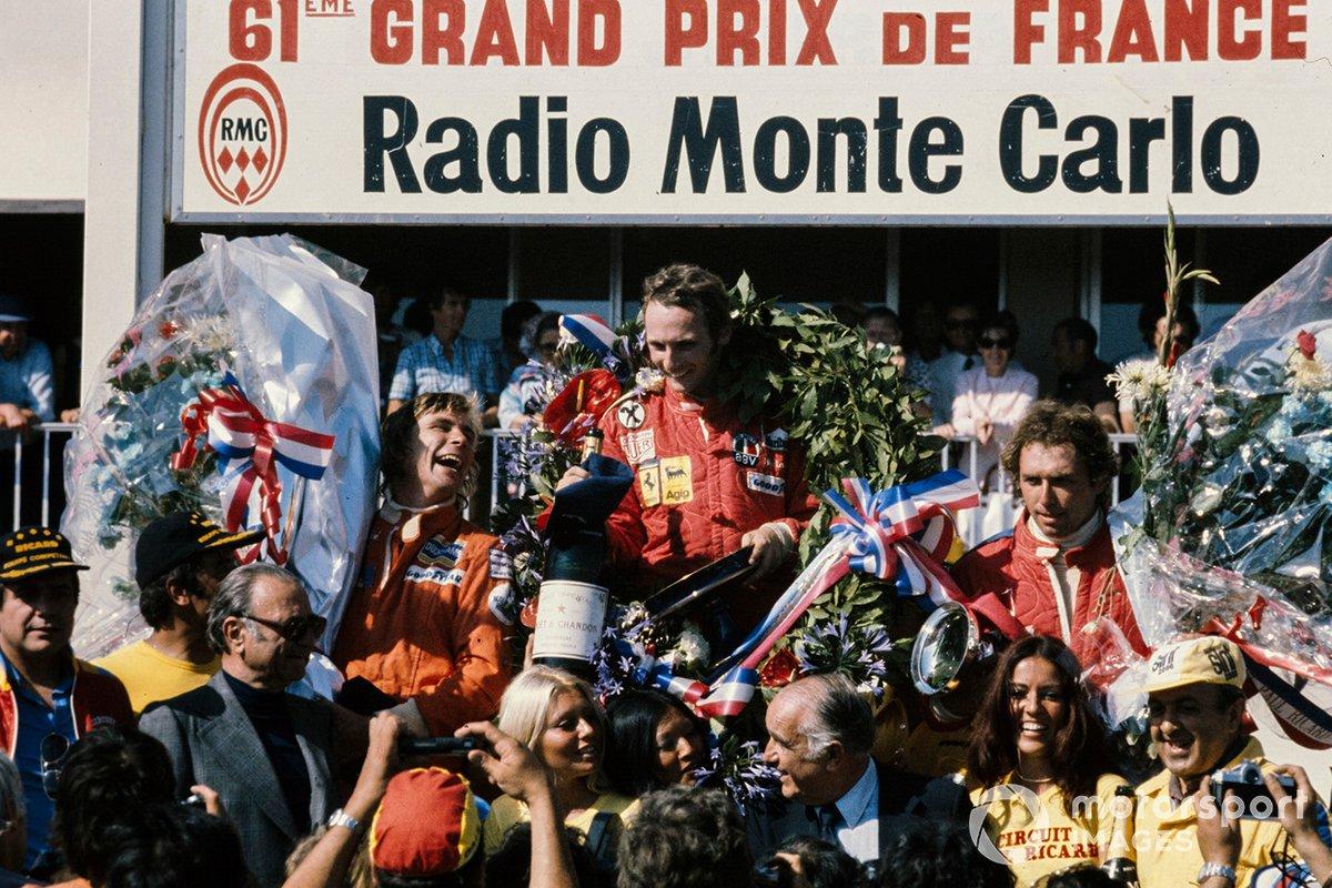Niki Lauda, Ferrari 312T, James Hunt, Hesketh Ford 308, Jochen Mass, McLaren M23 Ford