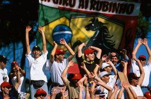 Los fans de Rubens Barrichello en la tribuna