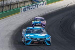 Martin Truex Jr., Joe Gibbs Racing, Toyota Camry Auto Owners Insurance, Kyle Busch, Joe Gibbs Racing, Toyota Camry M&M's Fudge Brownie