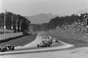 Jo Siffert, March 701 Ford leads Jack Brabham, Brabham BT33 Ford and François Cevert, March 701 Ford