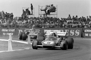 Clay Regazzoni, Ferrari 312B2, Jacky Ickx, Ferrari 312B2, Ronnie Peterson, March 711 Ford