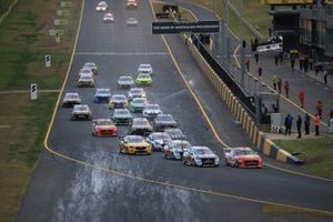 Scott McLaughlin, DJR Team Penske leads at the start