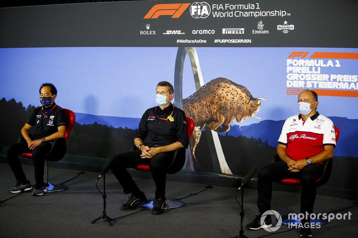 Toyoharu Tanabe, Director Técnico de la F1, Honda, Guenther Steiner, Director de Equipo, Haas F1 y Frederic Vasseur, Director de Equipo, Alfa Romeo Racing en la conferencia de prensa