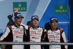Podium: third place Stéphane Sarrazin, Mike Conway, Kamui Kobayashi, Toyota Racing