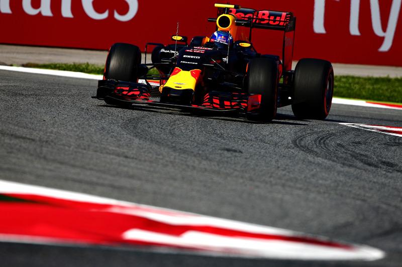 O grande destaque da classificação foi, entretanto, o 'estreante' Max Verstappen.