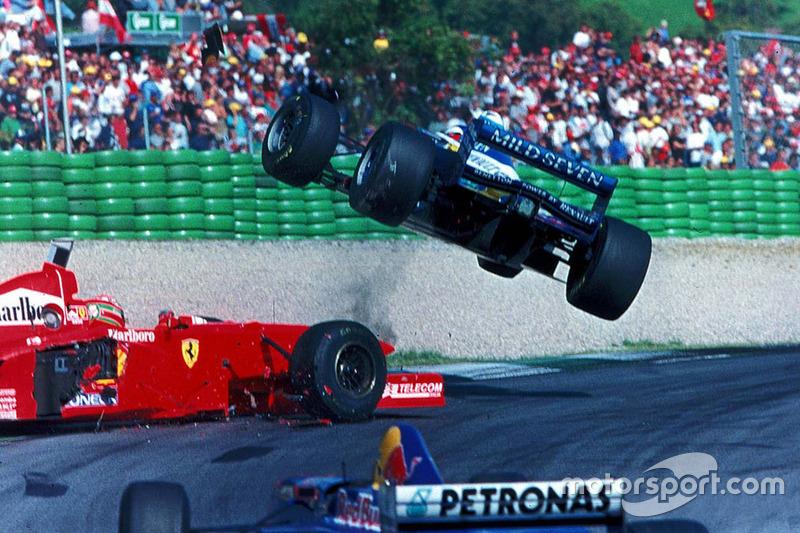 Acidente entre Jean Alesi e Eddie Irvine