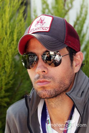 Enrique Iglesias, cantante, huésped de Sahara Force India F1 team