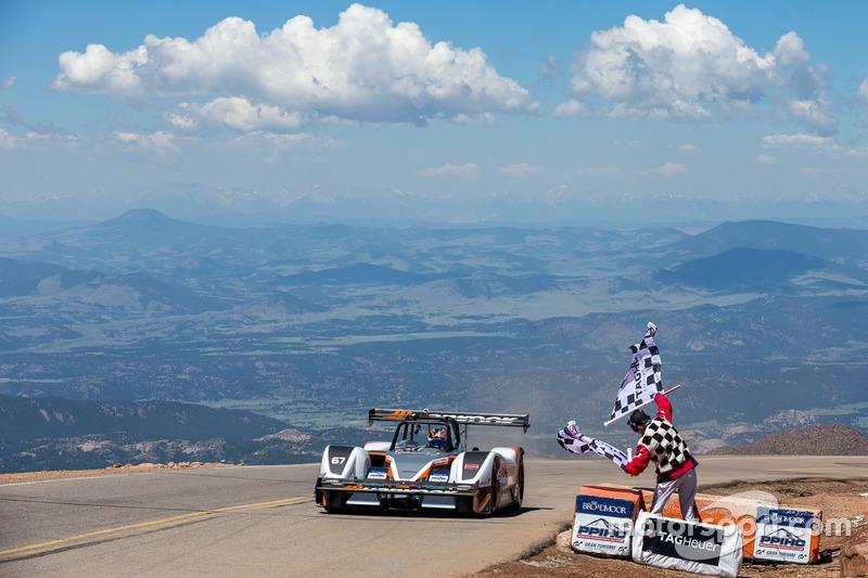Hillclimb - Mobil listrik tercepat di Pikes Peak, eO PP100