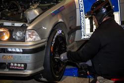 #154 Hofor Racing, BMW E36 M3: Simon Glenn, Jody Halse, Marcos Burnett, Cemal Osman