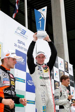 Podio: Il vincitore della gara Joel Eriksson, Motopark, Dallara F312 - Volkswagen