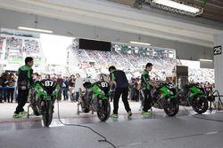 Atmosfera nel box del Team Green