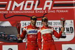 Federico Leo ed Eddie Cheever, Scuderia Baldini 27 Network sul podio