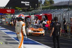 Pitstop voor Simon Knap, Rob Severs, Racing Team Holland by Ekris Motorsport, Ekris M4 GT4