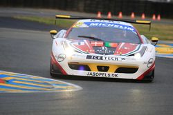 #71 AF Corse Ferrari 458 Italia GT3 : Felipe Barreiros, Mads Rasmussen