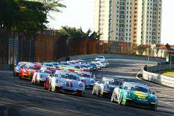 Largada da Porsche GT3 Cup Challenge em Interlagos