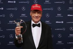 Niki Lauda, Mercedes Non-Executive Chairman with the lifetime achievement award