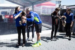 Aleix Espargaró, Team Suzuki Ecstar MotoGP toca las narices de un Koala
