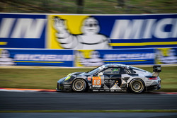 #88 Proton Racing, Porsche 911 RSR: Khaled Al Qubaisi, David Heinemeier Hansson, Patrick Long