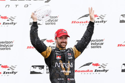 Third place James Hinchcliffe, Schmidt Peterson Motorsports Honda